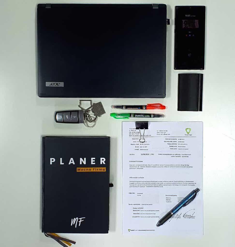 Ofertowanie usług budowlanych. Zdjęcie Planer i oferty Mocna Firma